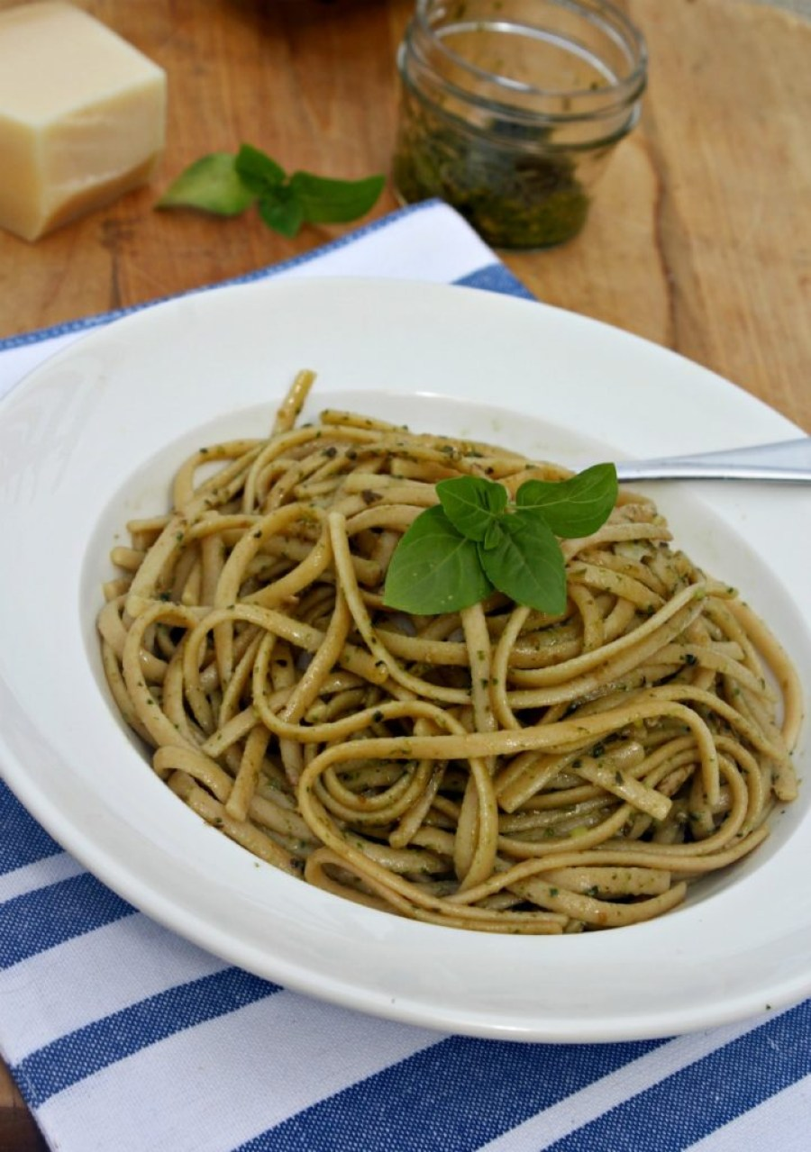 arugula-and-basil-pesto-with-linguine-simpleandsavory-com
