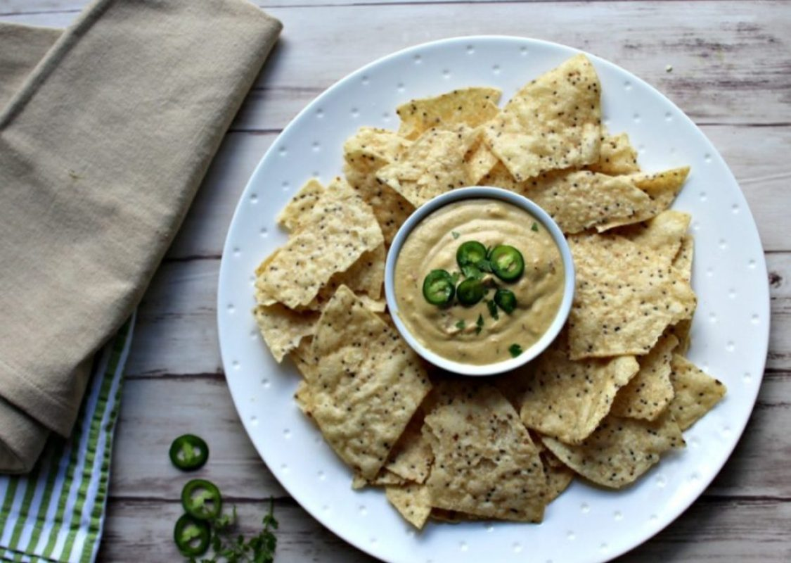 Vegan Queso Dip gluten free simple and savory.com