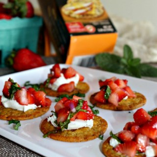 Strawberry and goat cheese appetizers vegetarian healthy snack