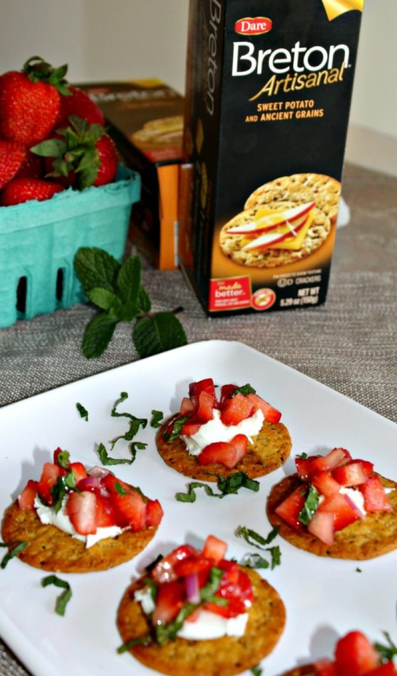 strawberry and goat cheese appetizers vegetarian and healthy