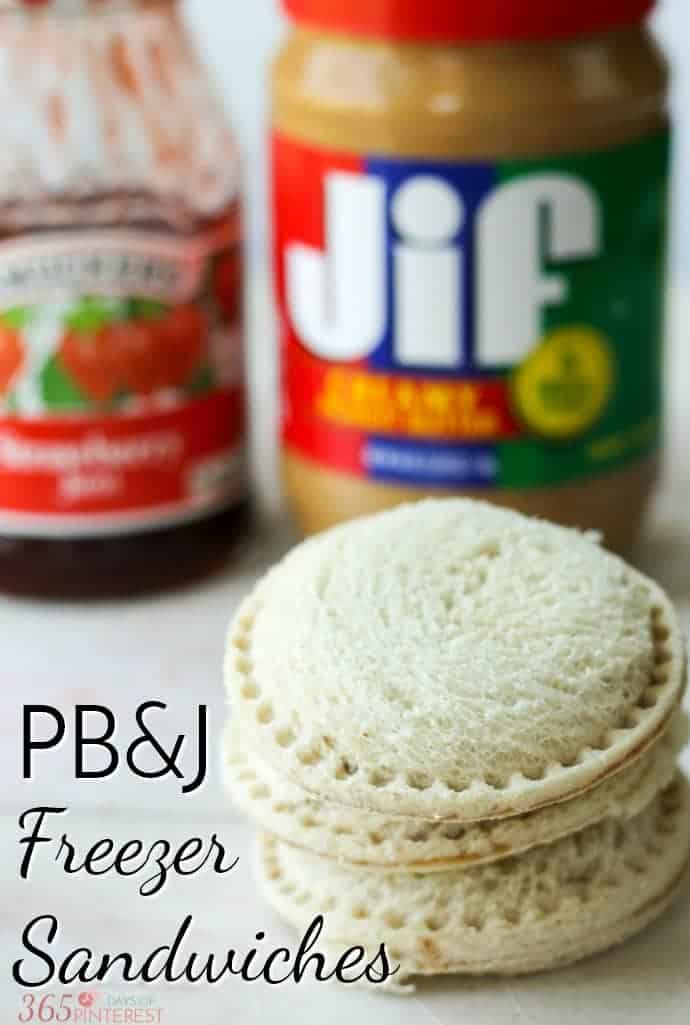 Save time on busy school mornings with these Homemade Peanut Butter and Jelly Uncrustables. Make them in batches and keep them in the freezer all school year! via @nmburk