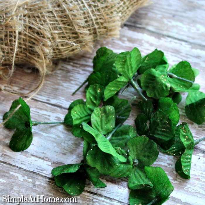 Make your own simple St Patrick's Day wreath, Saint Patrick's Day Wreath