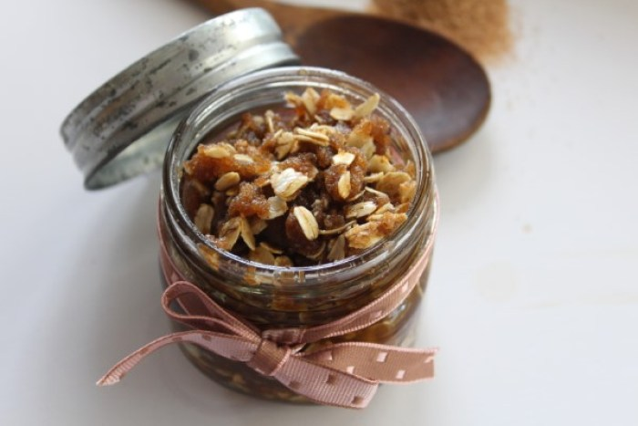 Oatmeal cookie brow sugar scrub