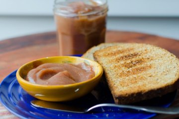 Apple Butter with Fresh Ginger