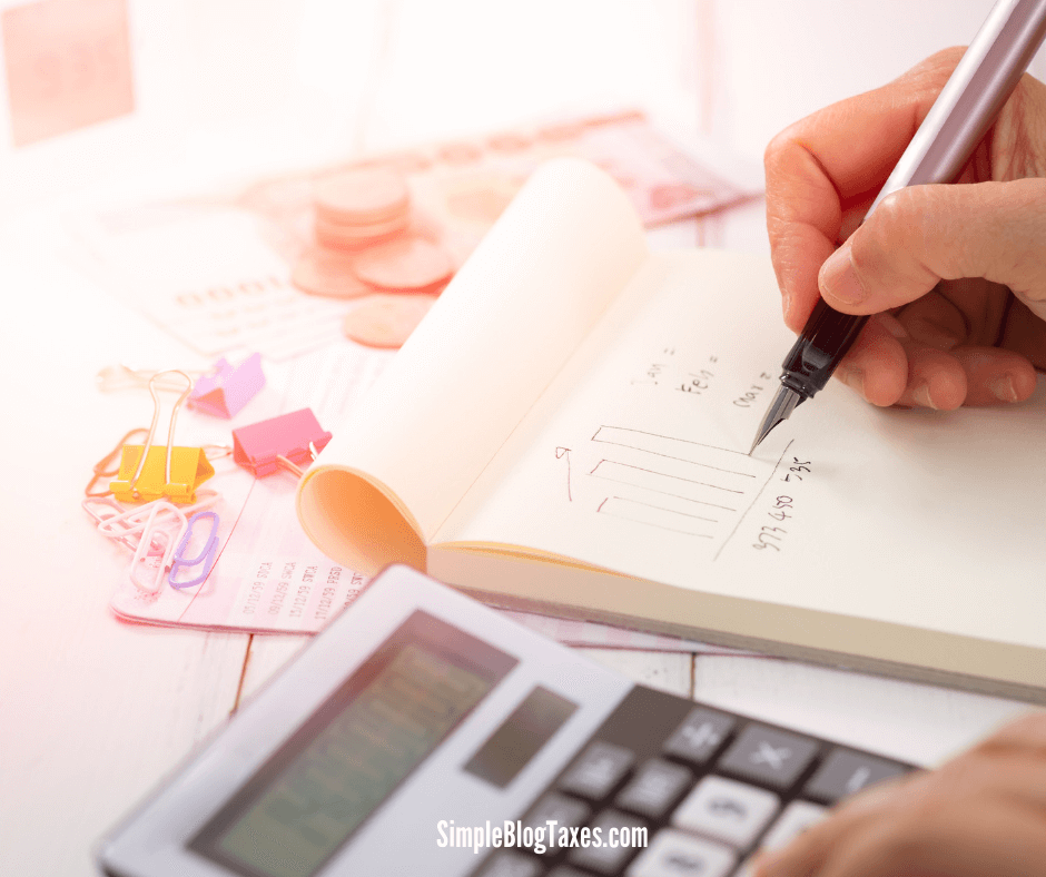 Self employment taxes for bloggers. Learn what self employment taxes are and how the apply to bloggers. Plus how you can pay them. #SelfEmploymentTaxes #SmallBusiness #BloggingTaxes #BloggingTips #TaxTips #SelfEmployment #BlogLegalTips SimpleBlogTaxes.com