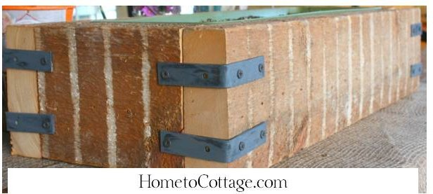 HometoCottage.com DIY planter from scrap wood