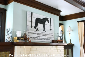 HometoCottage.com pallet wood horse sign