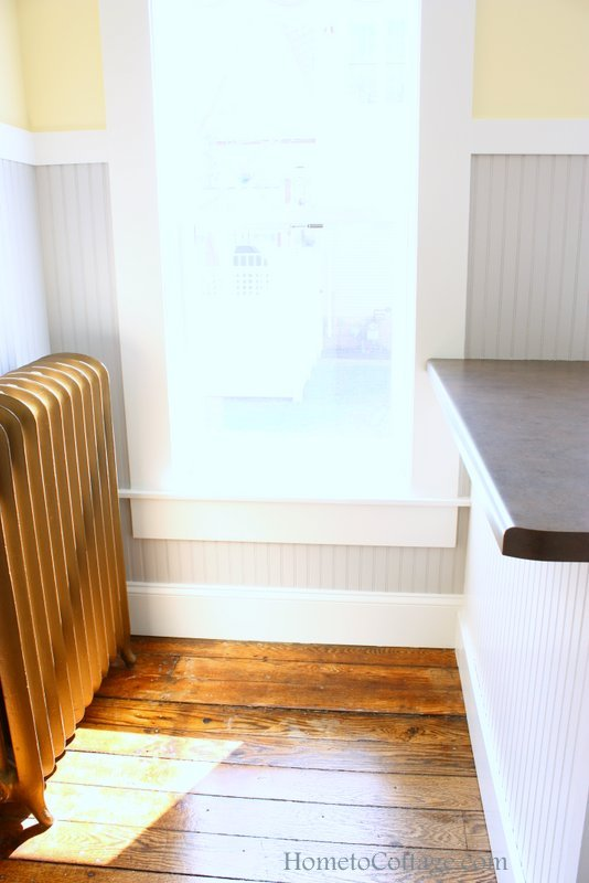 HometoCottage.com brick cottage farmhouse style kitchen counter stool area