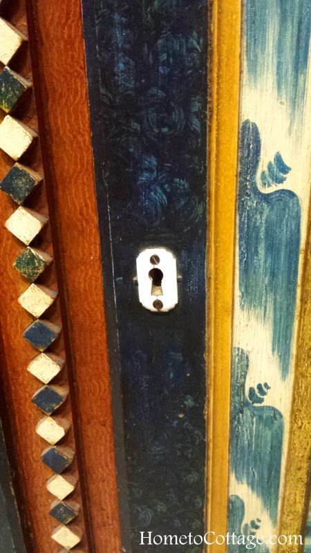 HometoCottage.com Norwegian cupboard detail
