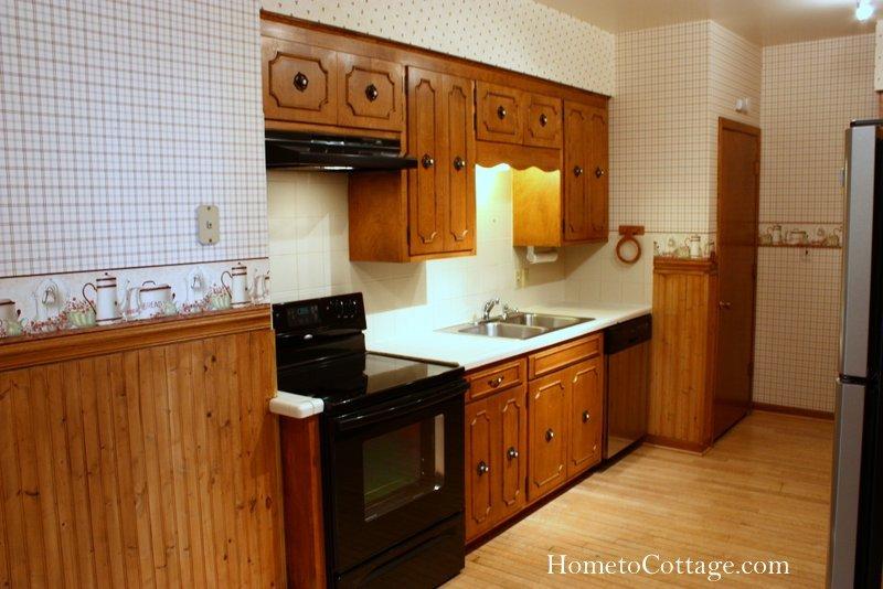 HometoCottage.com Kitchen Before