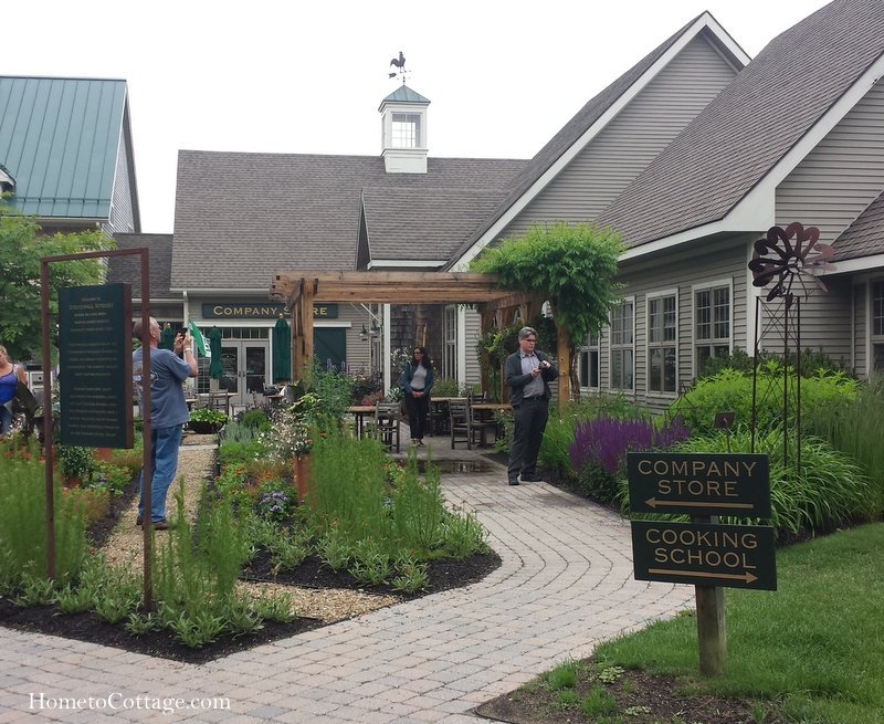 HometoCottage.com Stonewall Kitchen outside gardens