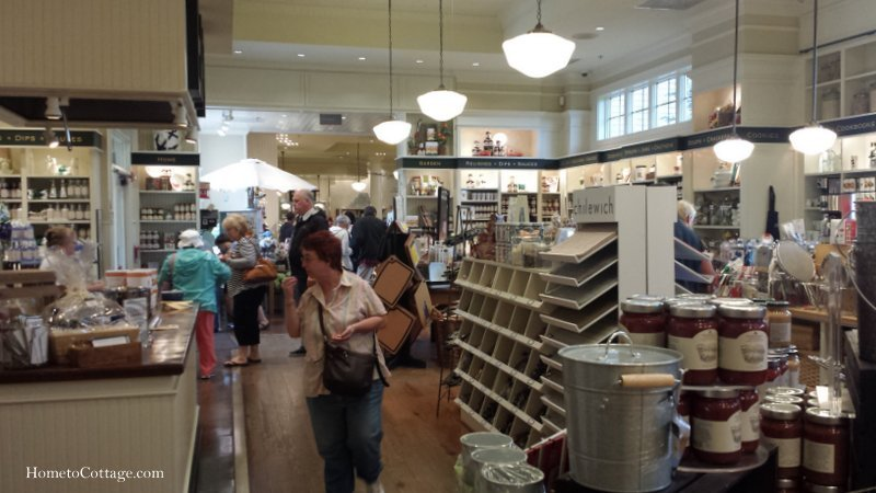 HometoCottage.com inside store