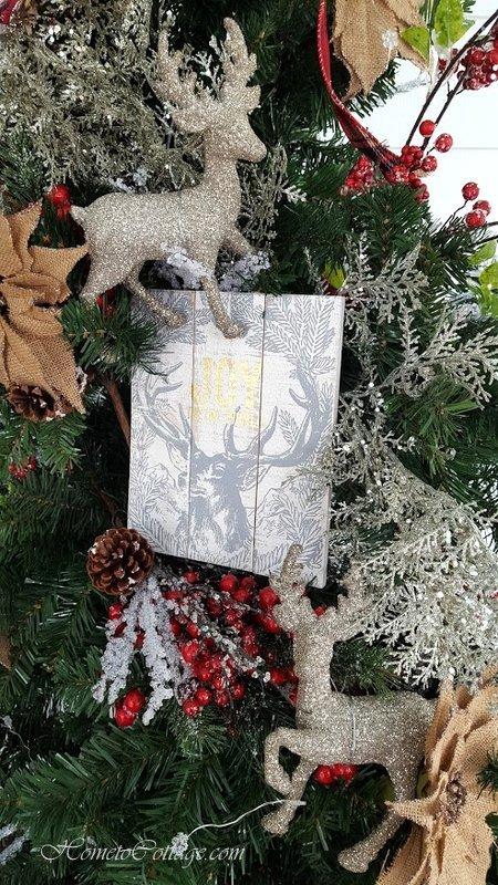 HometoCottage.com deer detail on tree