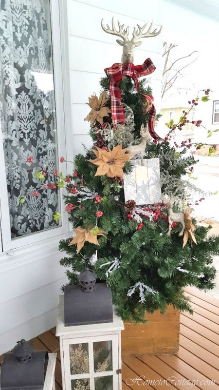 HometoCottage.com floral arranged Christmas tree
