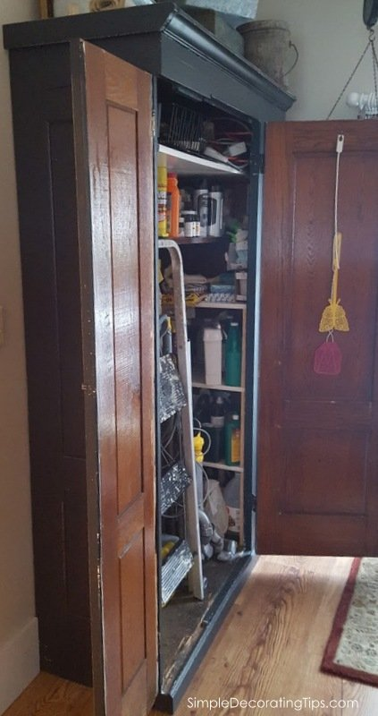 SimpleDecoratingTips.com both door open with shelves on right
