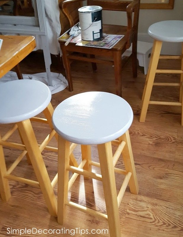 SimpleDecoratingTips.com painting gray on tops