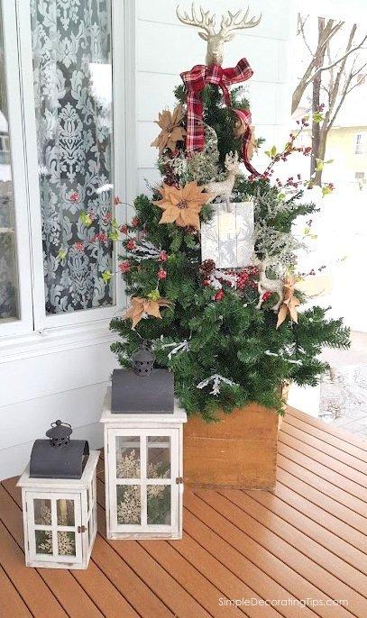 SimpleDecoratingTips.com Deer Themed Christmas Decorating Ideas