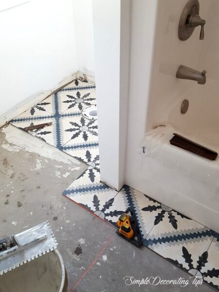 SimpleDecoratingTips.com Tiling the Bath Floor