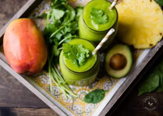 Cilantro Mango Detox Green Smoothie