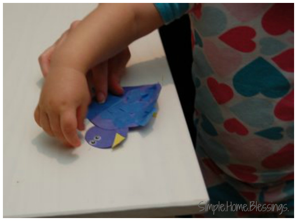 Bluebird Toddler Craft - simple and cute craft for little hands