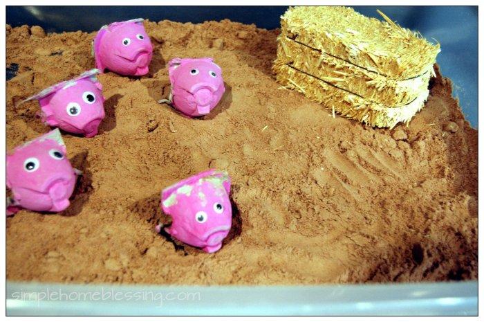 pig sty sensory bin1