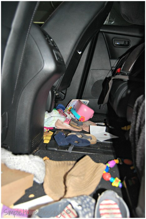 Traveling with Tots Controlling Car Clutter - before