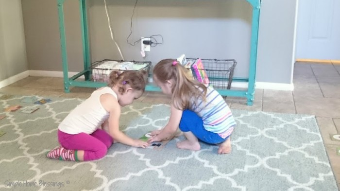 Puzzle play - a toddler and preschool activity