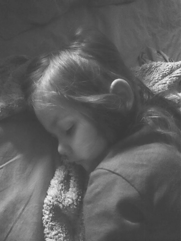 toddler sleep solution - this trick works! And it is so simple, I don't know why I didn't think of it1