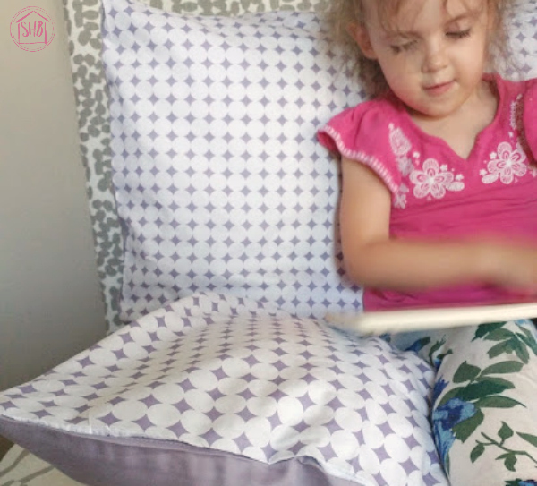 convertible pillow pallet for kids. a simple project the kids will love