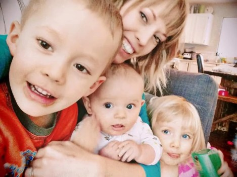 mom and kids, mom of three, three under four, toddlers, new baby, family, parent, christian woman, christian mom, mommy blog, mom blog, mom blogger