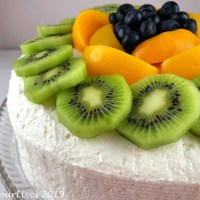 Vanilla Chiffon Cake with Fruits and Cream
