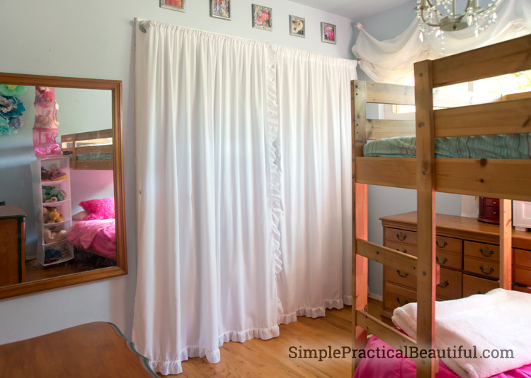Charmant How To Make Simple Closet Curtains From Sheets.