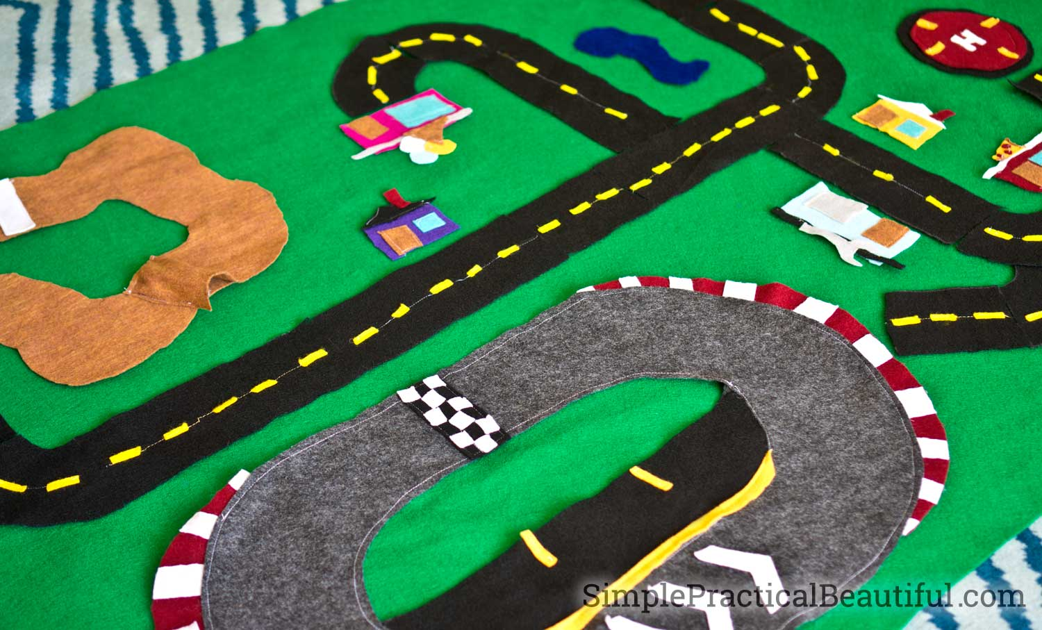 Cars 3 Felt Race Track Simple Practical Beautiful