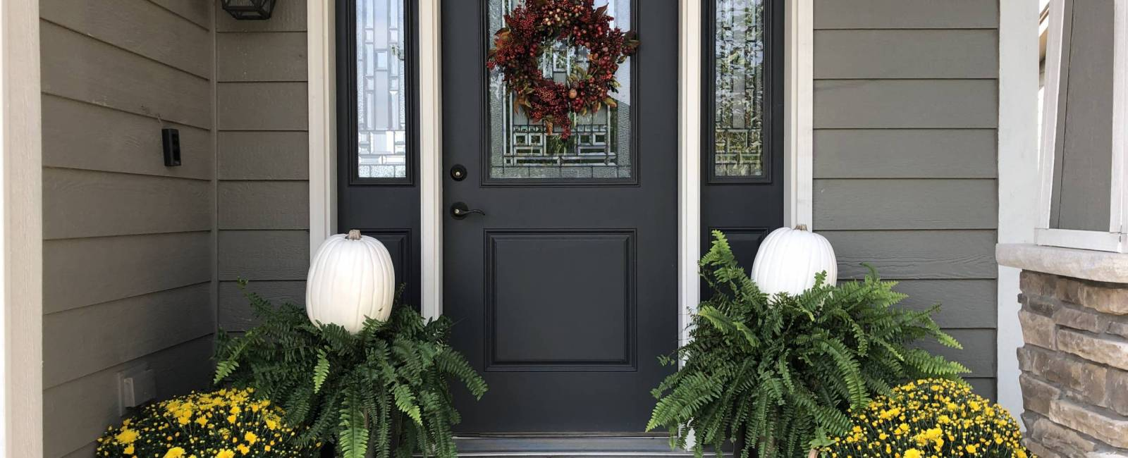 Simple Fall Front Porch Decor