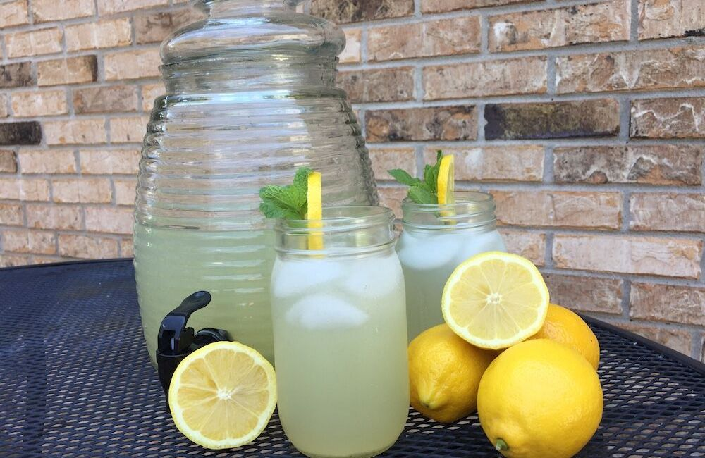 Simple & Healthy Lavender Lemonade