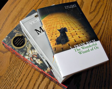 Books: The Wizard of Oz, Les Miserables, 2666