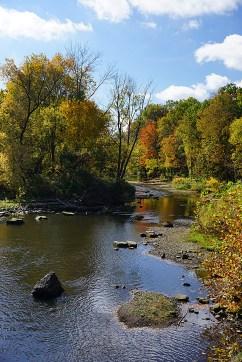 Cuyahoga river in autumn - Kent Ohio