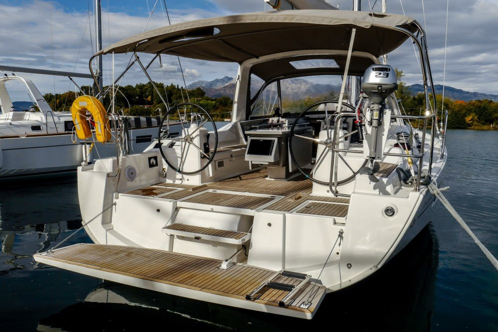 medium resolution of beneteau oceanis 41 1 veda bath platform