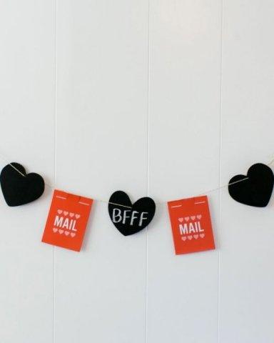 DIY Valentine Bunting Banner