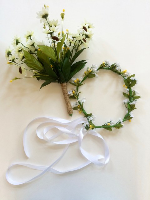 DIY Flower Crown and Bouqet - Simple Sojourns