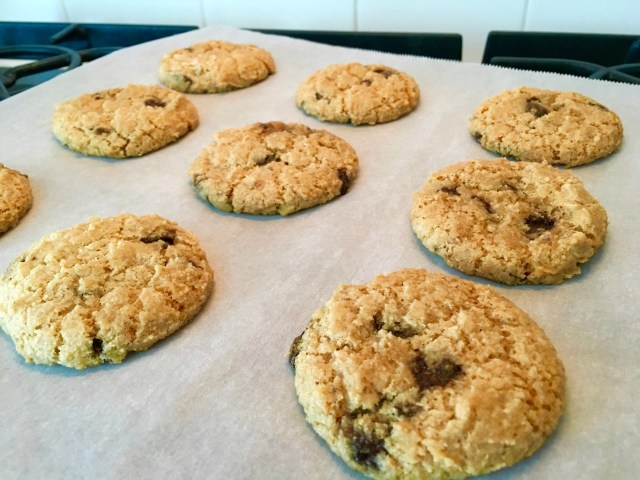 #Glutenfree #Vegan Chocolate Chip Cookies - Simple Sojourns