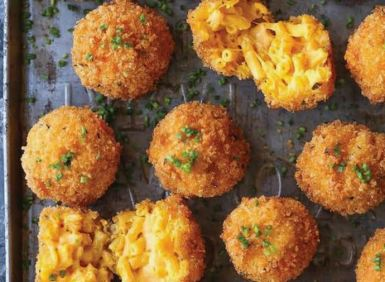 This week's Foodie Friday Roundup is all about delicious macaroni and cheese home made recipes.