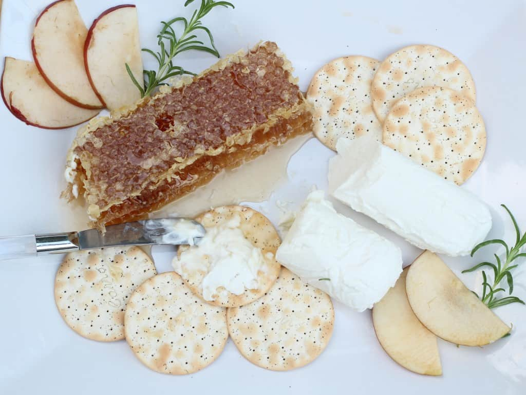 easy summertime appetizers honey goat cheese crackers