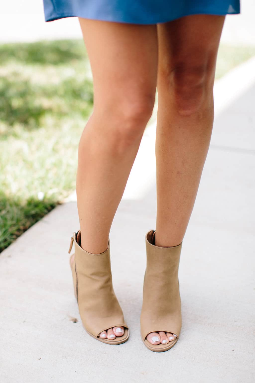 Simple-Shift-Dress-For-All-Occasions-peeptoe-booties