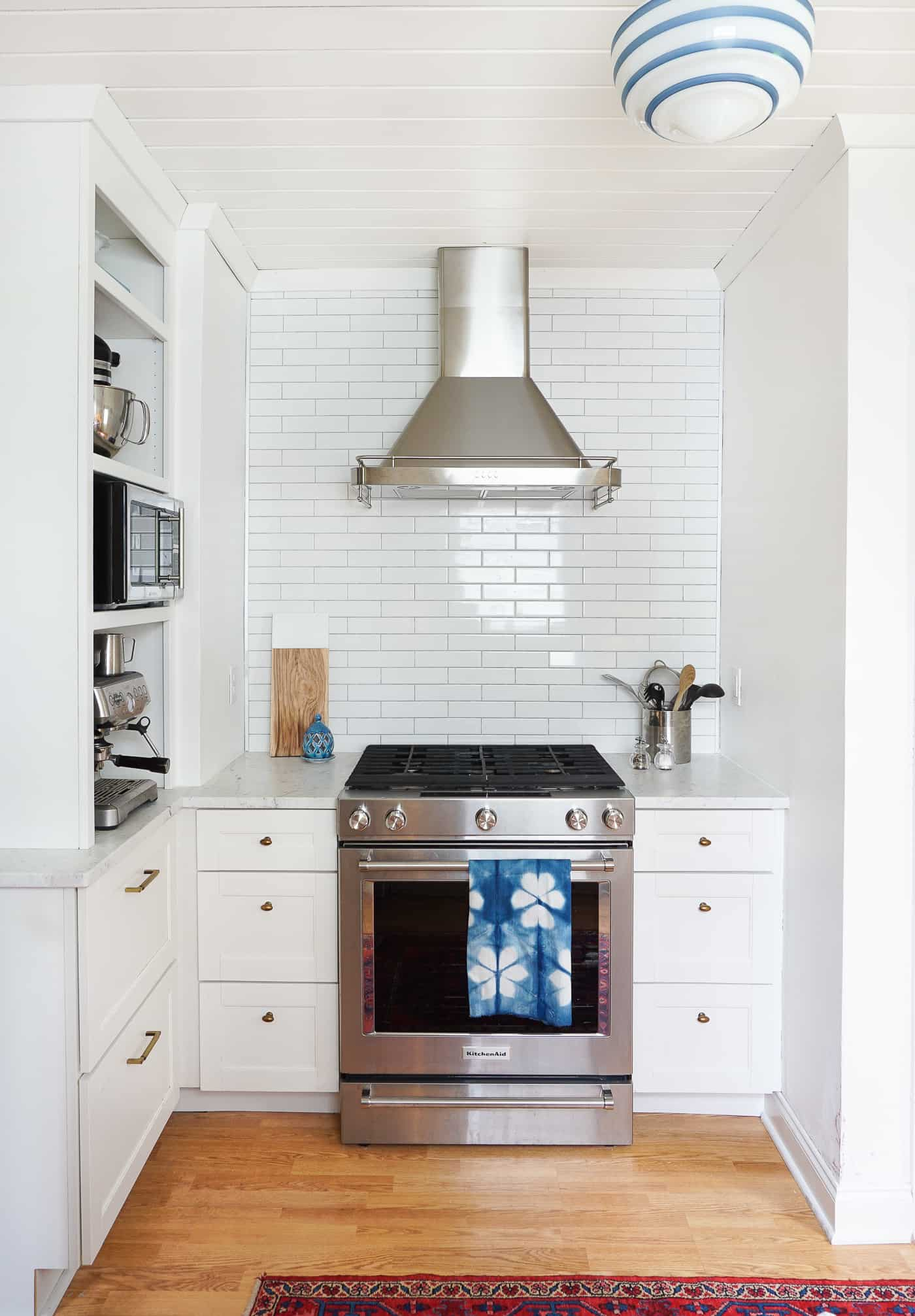 Home of the Month: Sunny Home of Francois et Moi-white-kitchen