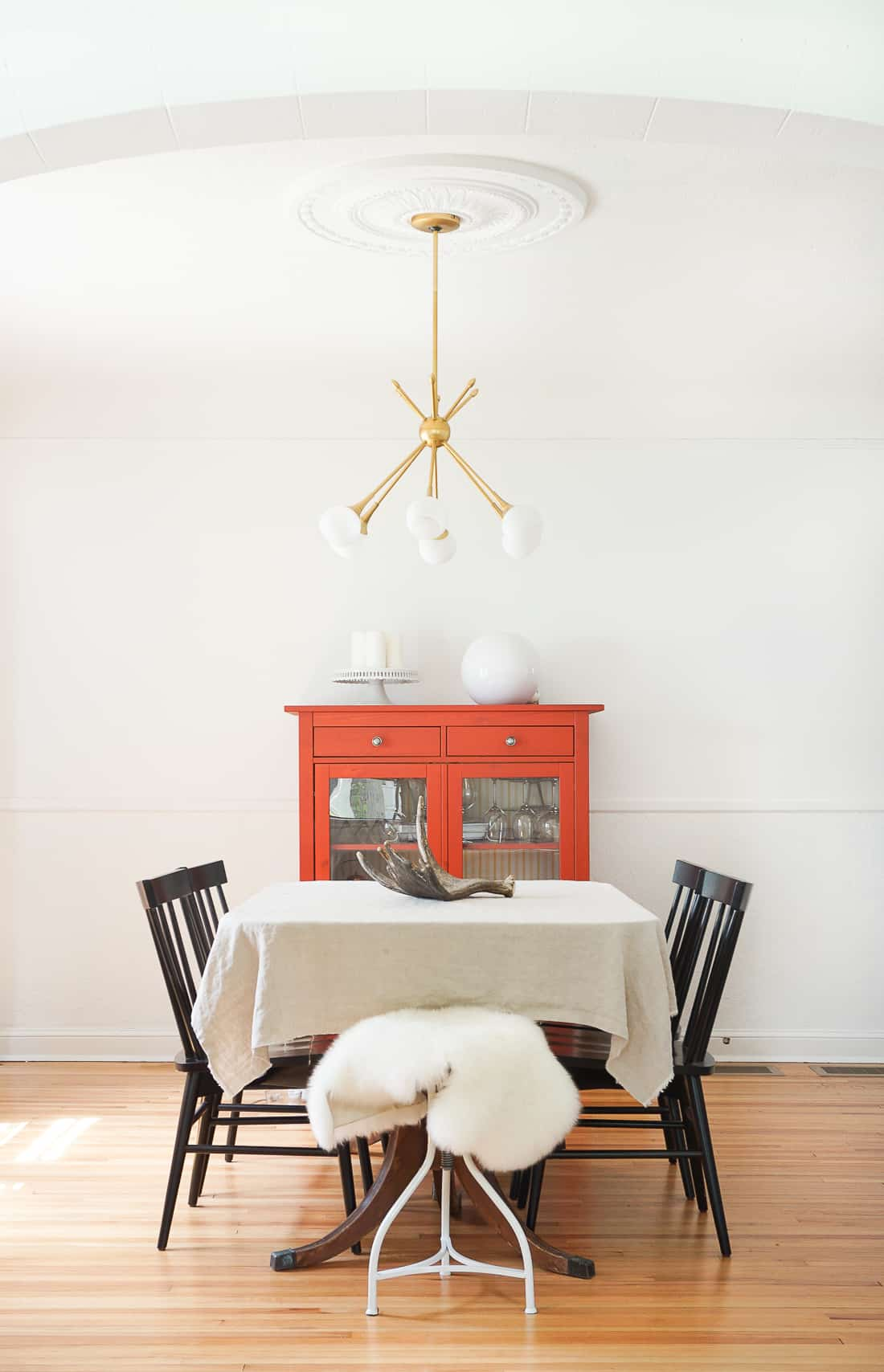 Home of the Month: Sunny Home of Francois et Moi-dining-room