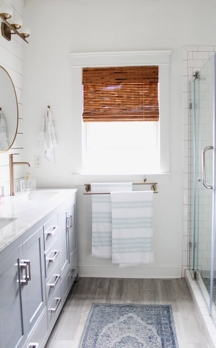 Spring 2018: A Wannabe Minimalist Home Tour master bathroom