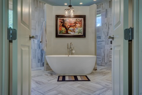 floor-home-property-room-interior-design-bathtub-542558-pxhere.com.jpg