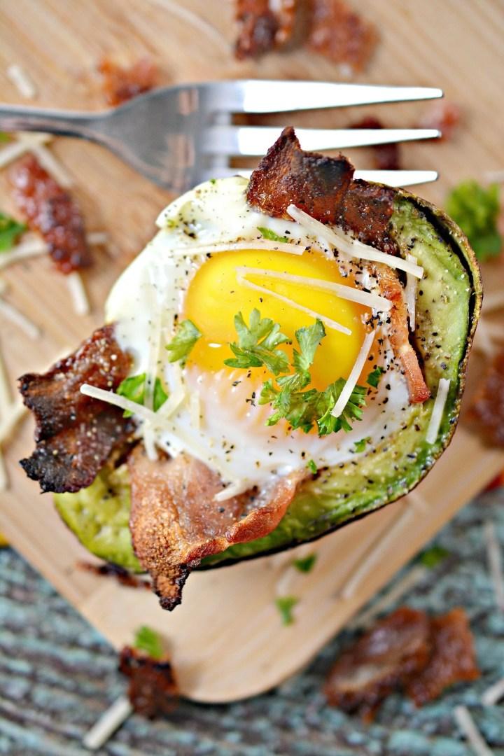 bacon and egg avocado cups