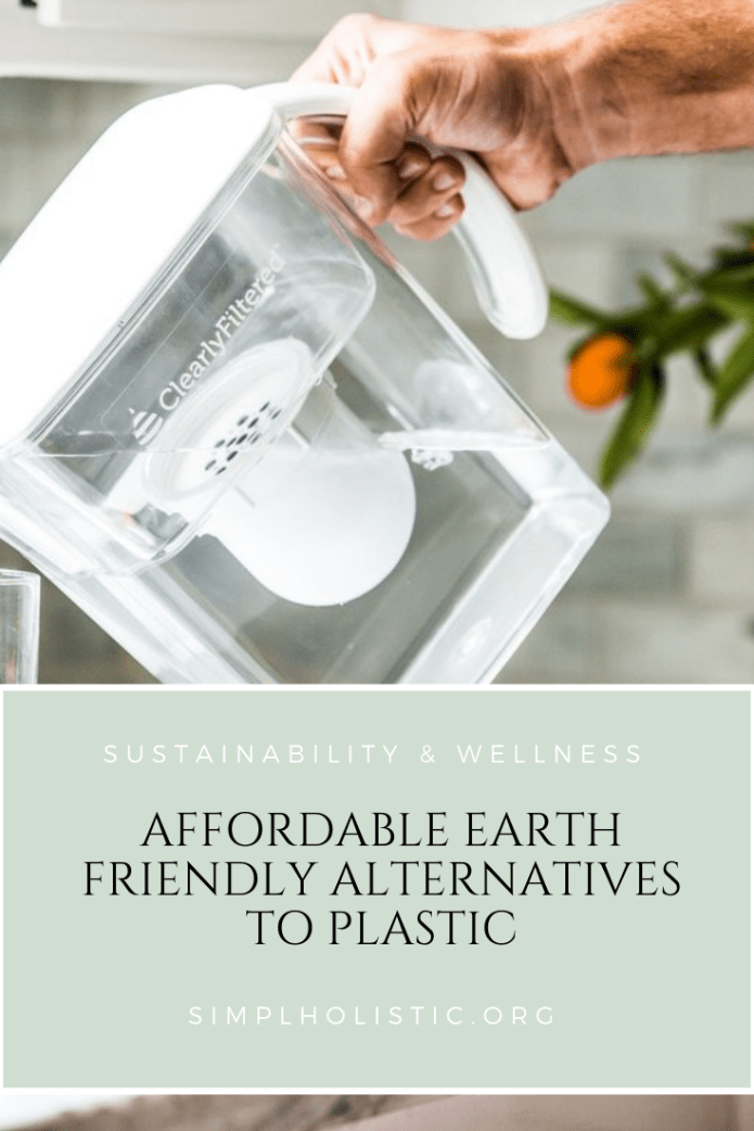 The 8 earth friendly alternatives to plastic can save your health and our planet. It's a win win!    #sustainability #earthfriendly #eco #plasticfree
